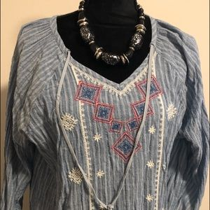 Tops - Great used condition !Cute wonen blouse , !